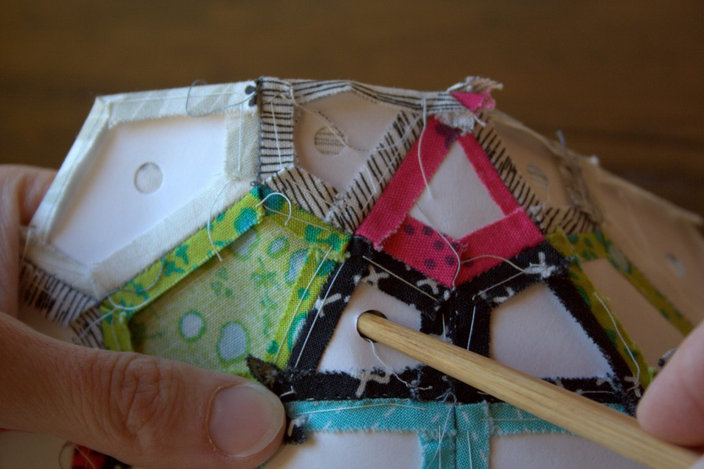 English Paper Piecing - Mug Rug, Part 2: Finishing