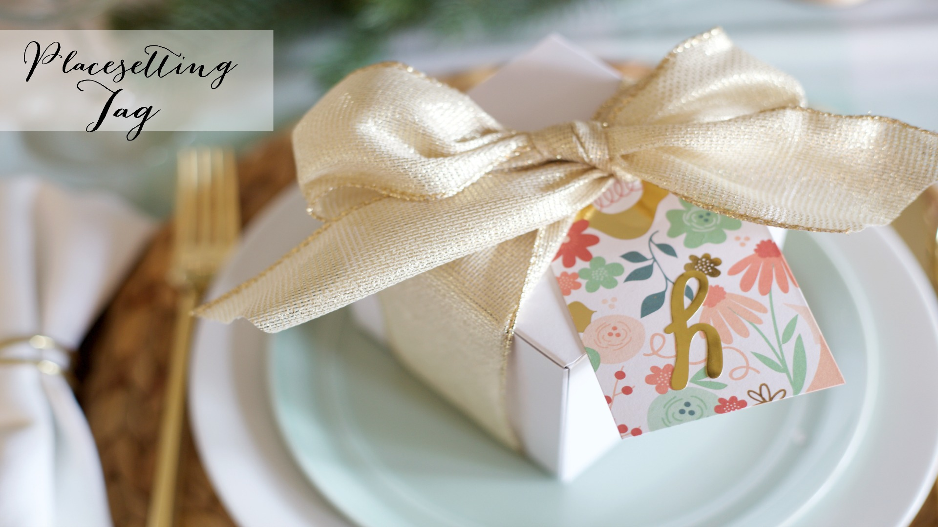 DIY Christmas Dinner Party: Favor Box Place Setting