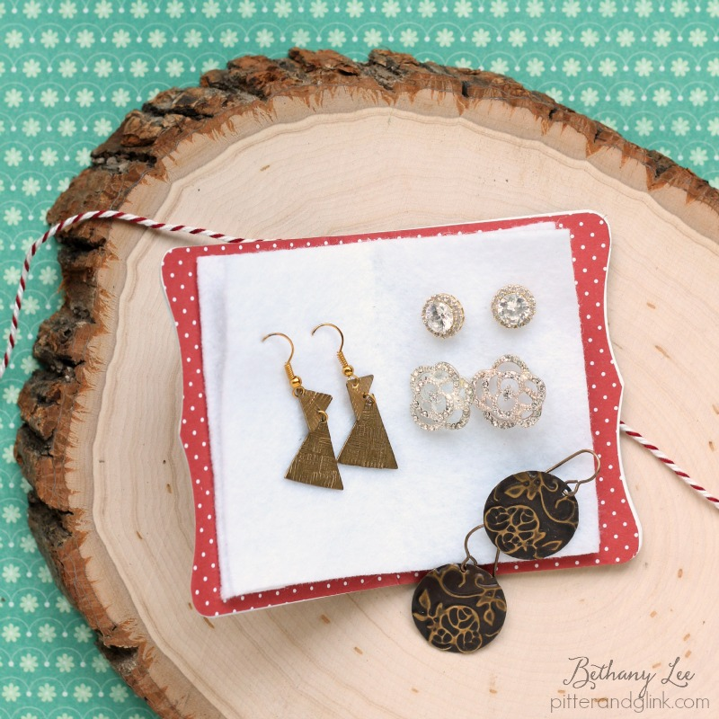 Travel Earring Holder DIY: Keep Your Jewelry Safe With Stitchlits