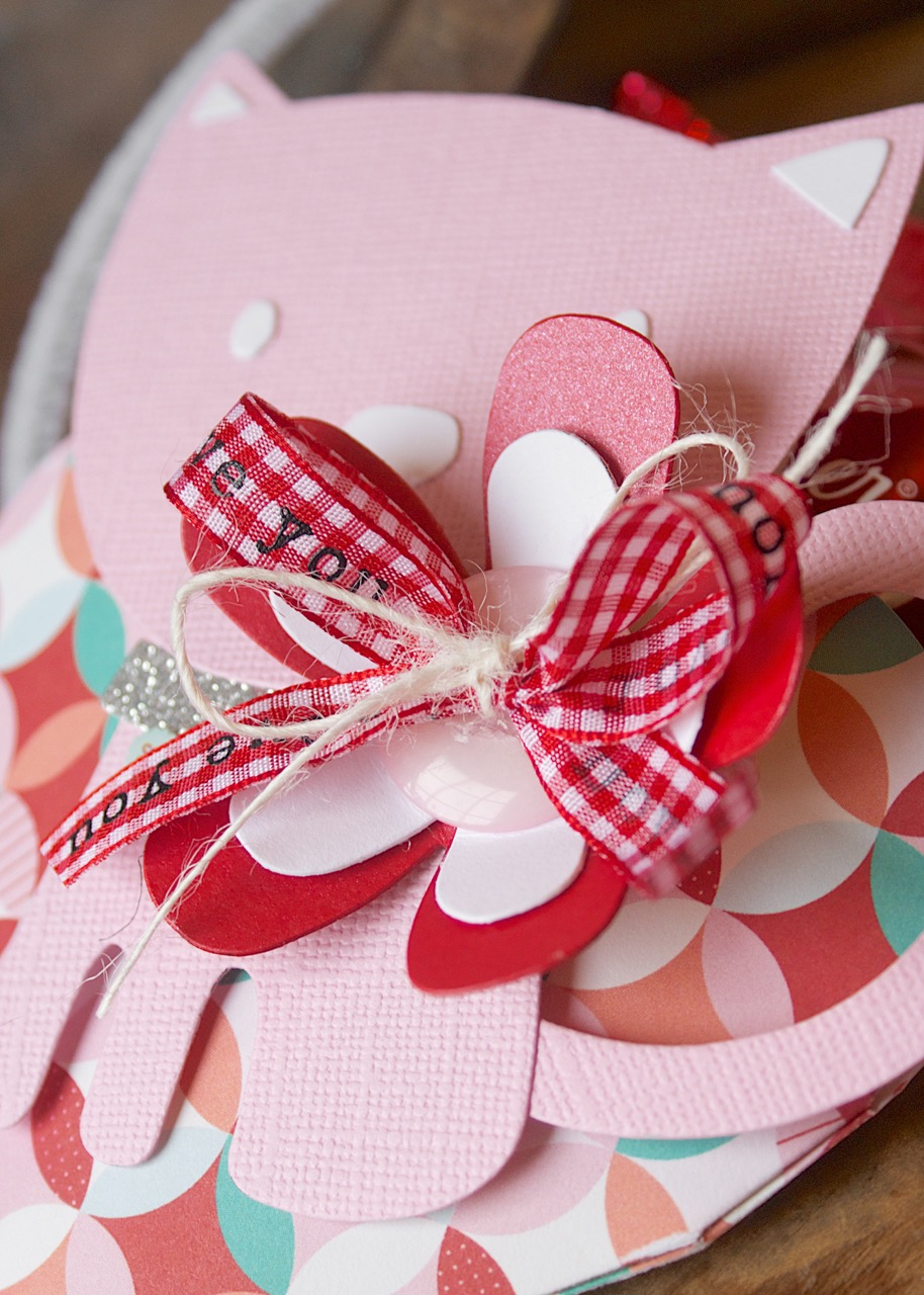 DIY Valentine's Day Treat Pockets- They're Cute As Kittens!