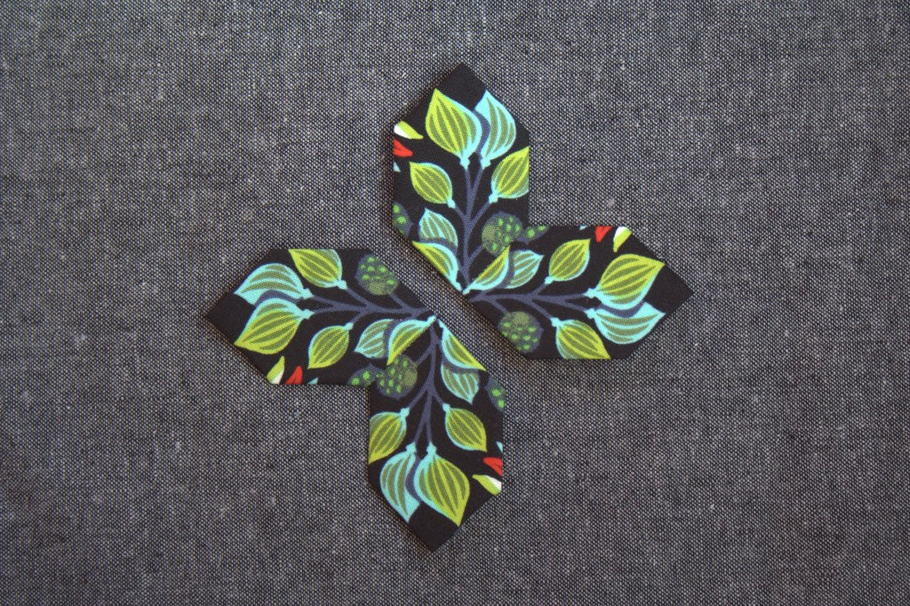 Fussy Cutting Fun with Lucy Boston Patchwork of the Crosses