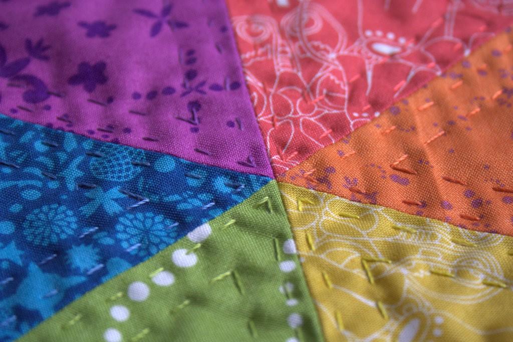 rainbow hex star mini quilt nightquilter aurifil 12wt thread
