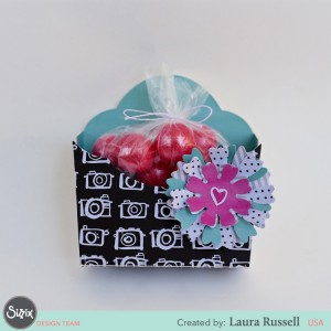 https://www.sizzix.com/wp/wp-content/uploads/2016/06/Favor-Flower-Box-Laura-R-300x300.jpg