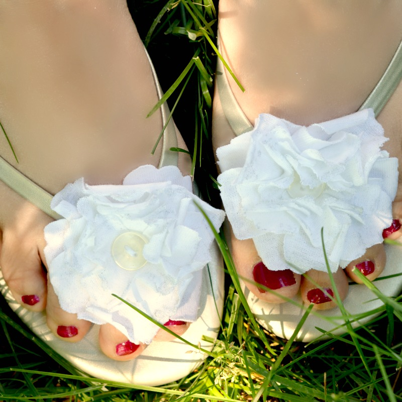 Summer Floral Sandals: A 10 Minute DIY!