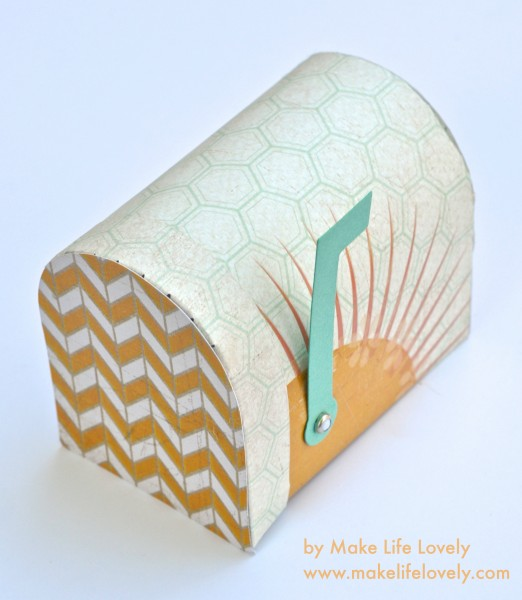 Sunshine-Mailbox-by-Laura-Russell-of-Make-Life-Lovely-522x600