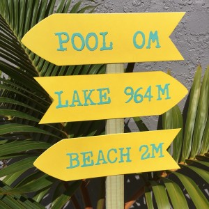 https://www.sizzix.com/wp/wp-content/uploads/2016/07/Everyday-Party-Magazine-Beach-Sign-8-300x300.jpg