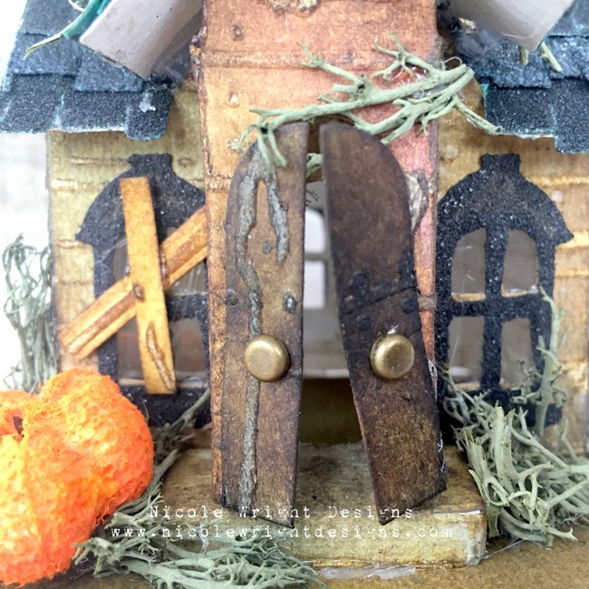 Sizzix Haunted House 13