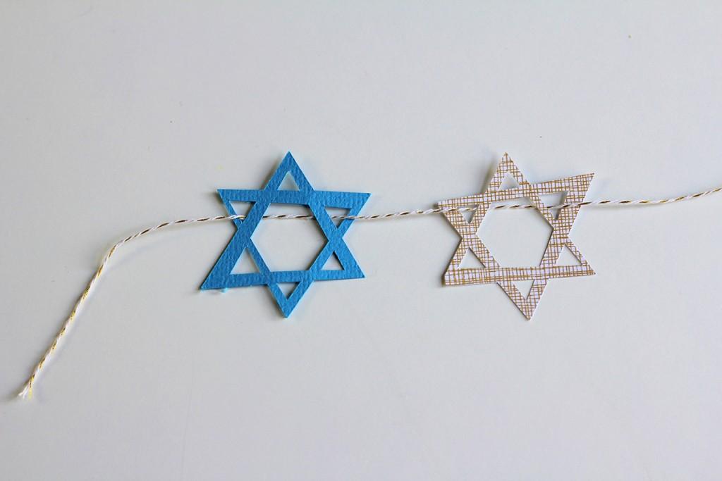 Hanukkah-Banner-Step-2