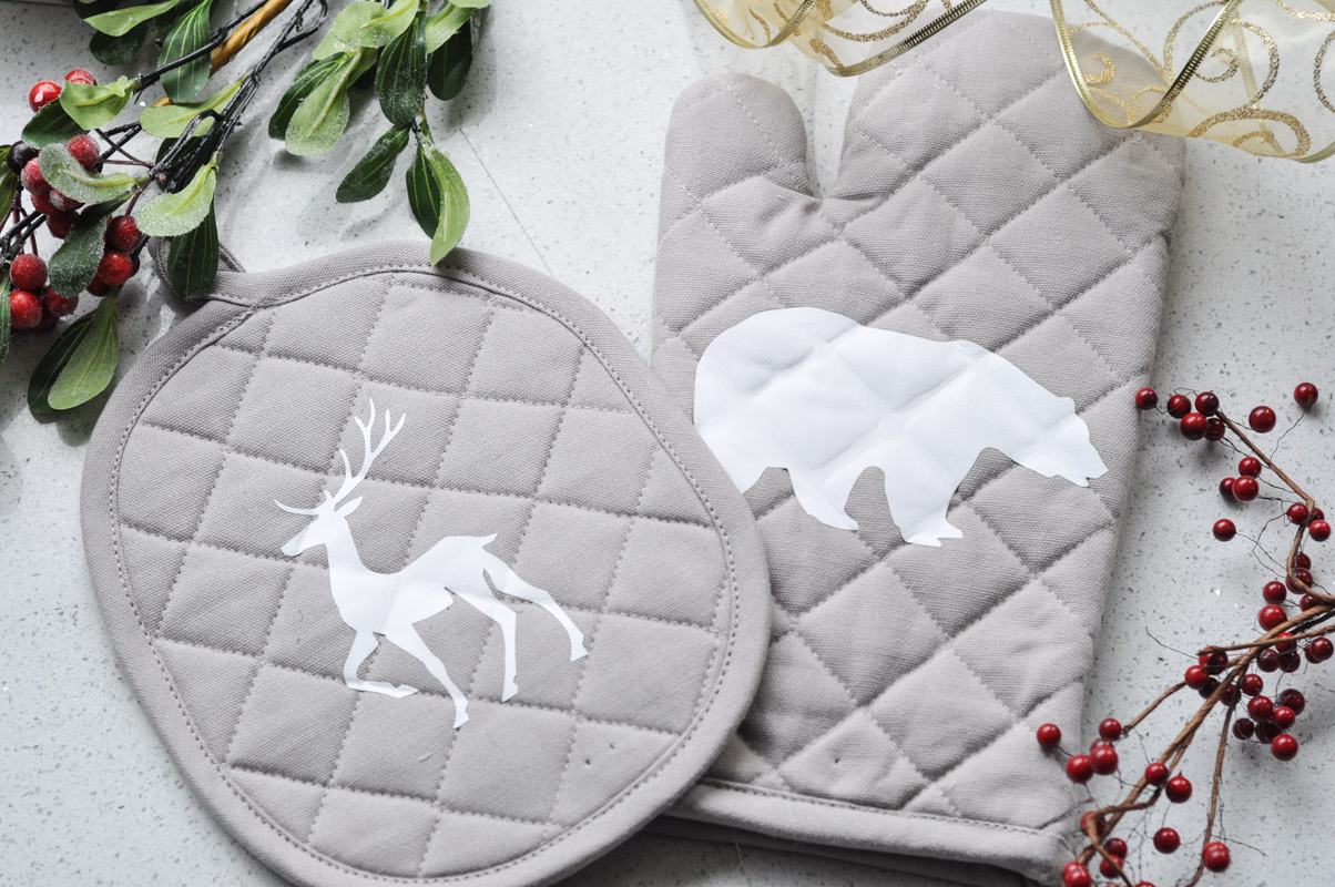 Northern Inspired Potholder and Oven Mitt with Sizzix-13