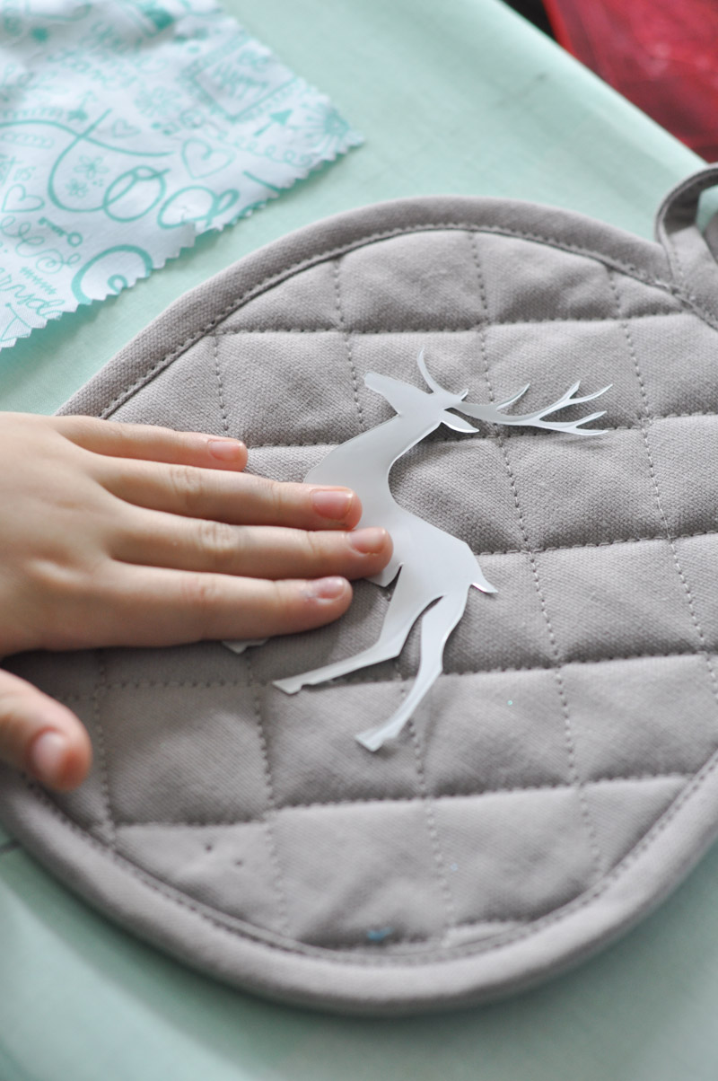 Northern Inspired Potholder and Oven Mitt with Sizzix-4