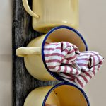kitchen-enamel-cups