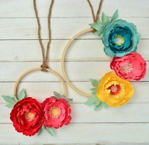 https://www.sizzix.com/wp/wp-content/uploads/2019/05/Floral-Wreath-Lifestyle-Image-1-1-300x291.jpg
