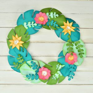 https://www.sizzix.com/wp/wp-content/uploads/2019/06/Tropical-Wreath-Main-Image-300x300.jpg