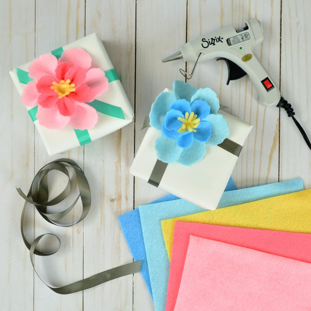 How To Make Your Own Creative Gift Wrap!